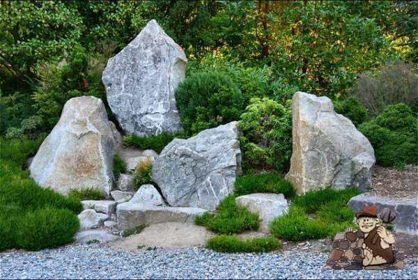Using stone in ornamental landscaping design fieldstone for Landscaping rocks delivered